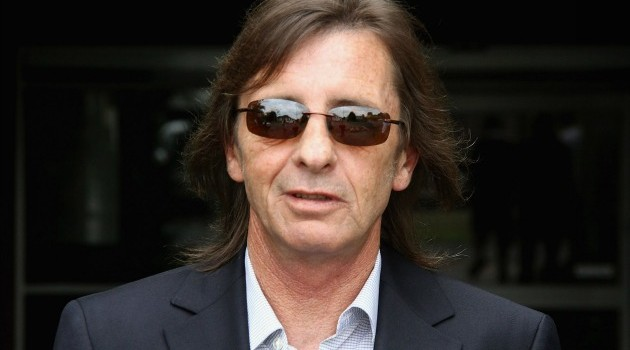 TAURANGA, NEW ZEALAND - DECEMBER 01: (NEW ZEALAND NEWSPAPERS OUT)  AC/DC drummer Phil Rudd leaves Tauranga District Court following his conviction for cannabis possession on December 1, 2010 in Tauranga, New Zealand. Rudd, charged under his legal name of Phillip Witschke, was found in possession of 27g of the drug after a police search at his launch at the Tauranga Bridge Marina on October 7. The conviction could affect his ability to travel with AC/DC internationally in future. (Photo by The Sun/Getty Images)